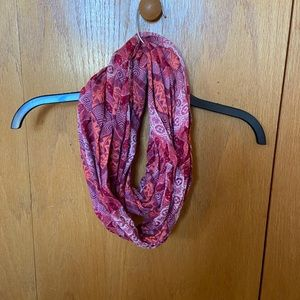 Graphic infinity scarf
